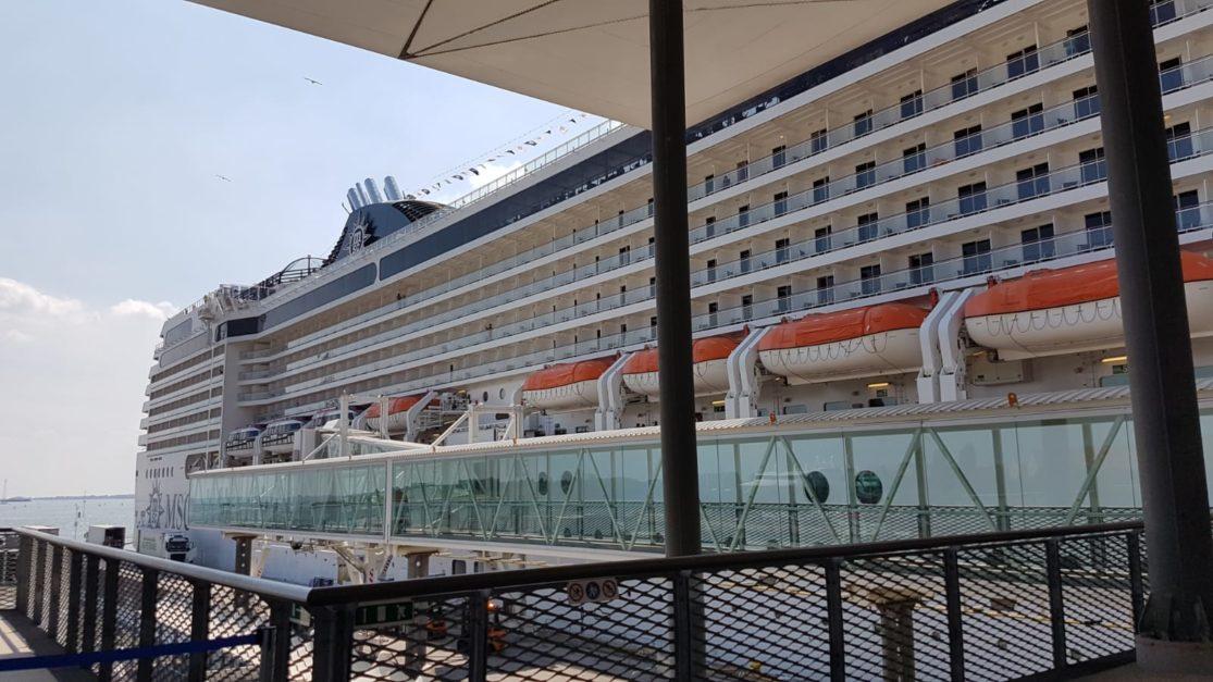 Exterior del crucero MSC Música.