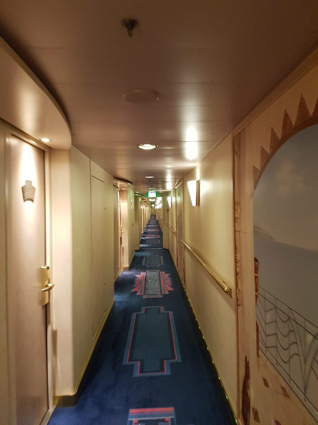 Pasillos interiores del MSC Música.