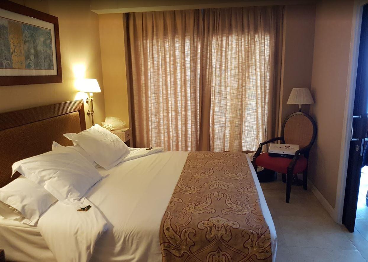 Habitación del Gran hotel Guadalpín Banús