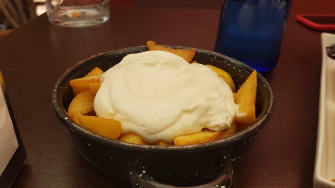 Gajes de patatas con Alioli