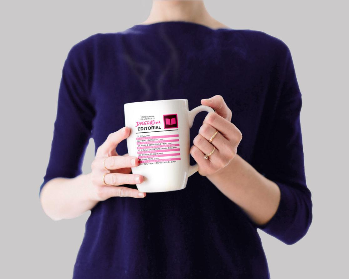 Mujer con taza